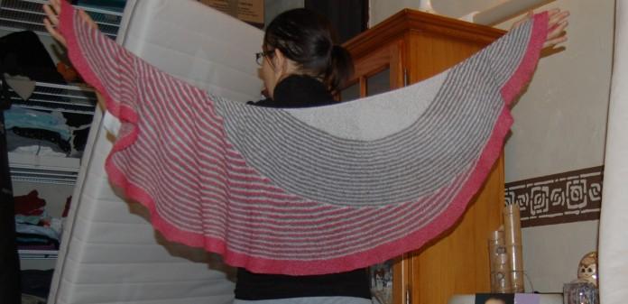 Color Affection de Veera Välimäki, laine Les laines du scarabée Sylphe, coloris Glaçon, Menace, et C'est un accident