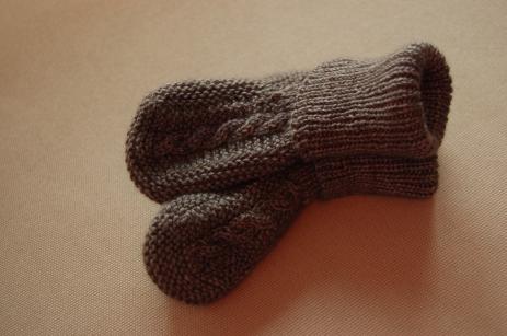 Modèle Drops design (b17-11), laine Les laines du scarabée Hespérie, coloris Graphite