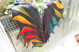 Modèle Dreambird par Nadita Swing, laines  Isager Strik Silk Mohair coloris 30, et Schoppel-Wolle Zauberball coloris Tropical fish